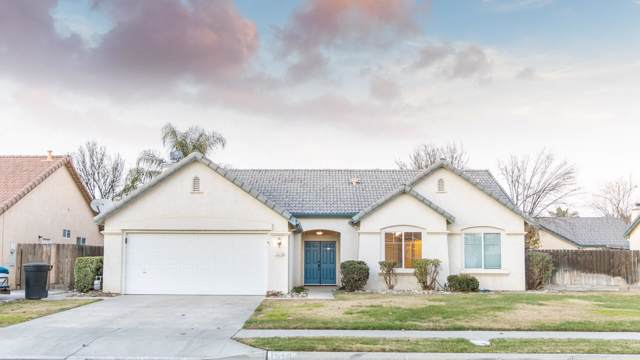 1610 Fireside Way, Lemoore, CA 93245 (#202204) :: Martinez Team