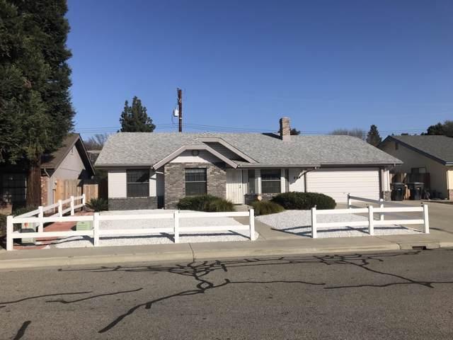 808 W Vassar Avenue, Visalia, CA 93277 (#202492) :: Martinez Team