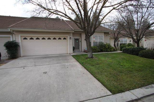 380 Village Drive, Dinuba, CA 93618 (#202518) :: The Jillian Bos Team
