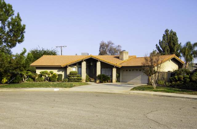 490 W Alice Avenue, Porterville, CA 93257 (#202529) :: Martinez Team