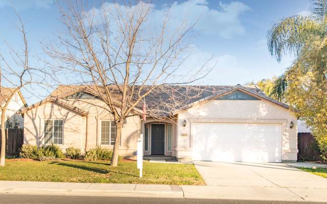 2018 W Berkshire Lane, Hanford, CA 93230 (#202541) :: Martinez Team