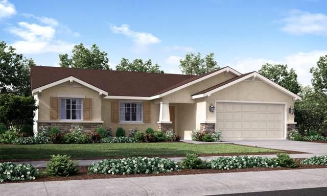 760 Hillside Drive, Dinuba, CA 93618 (#202795) :: Martinez Team