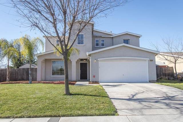 1449 Keith Avenue, Dinuba, CA 93618 (#202964) :: Martinez Team