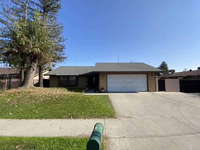 682 N West Street, Tulare, CA 93274 (#203003) :: The Jillian Bos Team