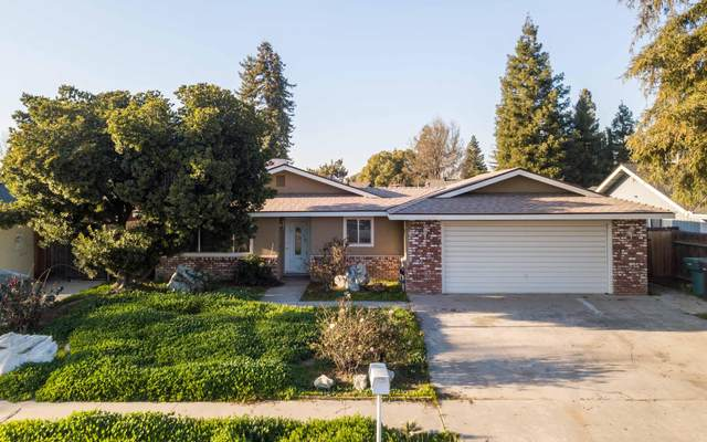 1842 Plymouth Avenue, Tulare, CA 93274 (#203053) :: Robyn Icenhower & Associates