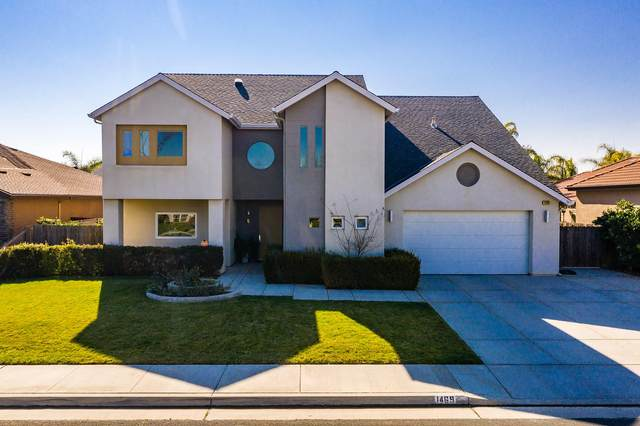 1469 W Buckingham Drive, Hanford, CA 93230 (#203065) :: Martinez Team