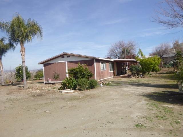 29148 E Highway 190, Porterville, CA 93257 (#203069) :: Martinez Team