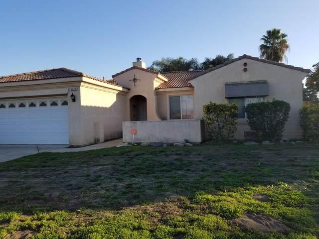 1761 W Castle Avenue, Porterville, CA 93257 (#203082) :: Martinez Team