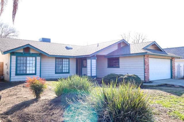 1657 E Eastbrook Avenue, Tulare, CA 93274 (#203125) :: Martinez Team