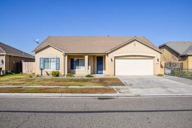 2557 Almaden Street, Tulare, CA 93274 (#203129) :: Martinez Team