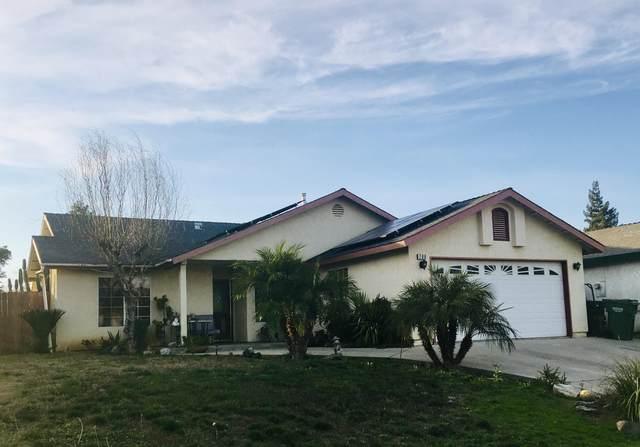 709 Cherie Ann Avenue, Dinuba, CA 93618 (#203138) :: Martinez Team