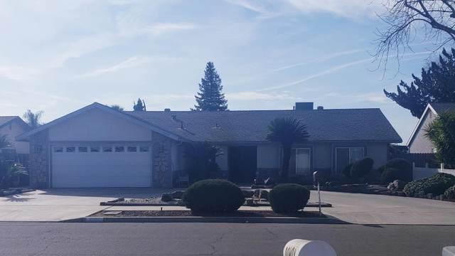 1375 E Carmelo Avenue, Tulare, CA 93274 (#203159) :: Martinez Team