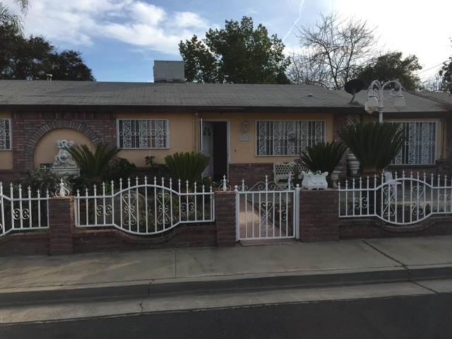 299 N Smith Avenue, Dinuba, CA 93618 (#203196) :: The Jillian Bos Team