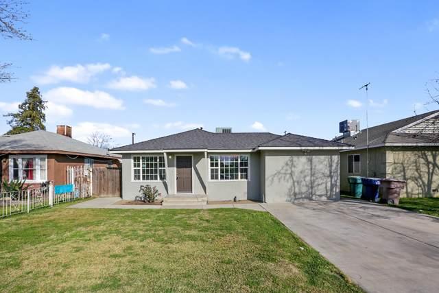 434 S Larkin Street, Tulare, CA 93274 (#203521) :: The Jillian Bos Team