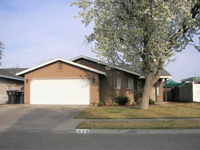 1320 Deer Creek Street, Tulare, CA 93274 (#203543) :: The Jillian Bos Team