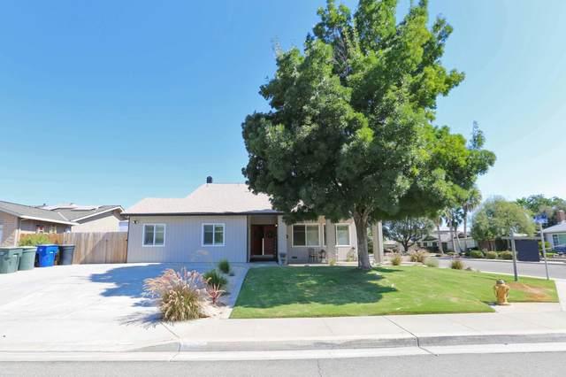 720 Redwood Lane, Lemoore, CA 93245 (#203611) :: Martinez Team