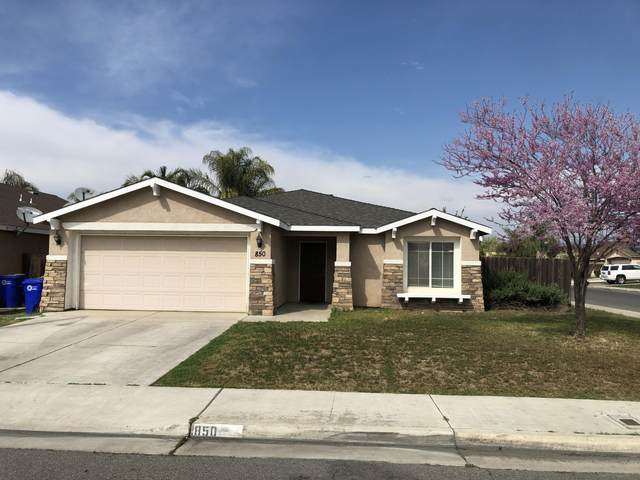 850 W Mcintire Avenue, Porterville, CA 93257 (#203690) :: The Jillian Bos Team