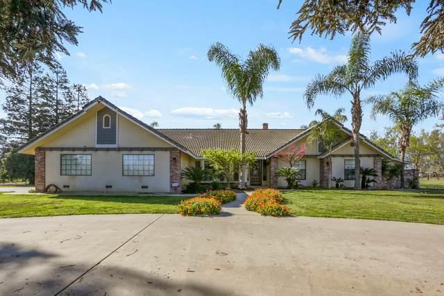 945 Zumwalt Avenue, Tulare, CA 93274 (#203793) :: The Jillian Bos Team