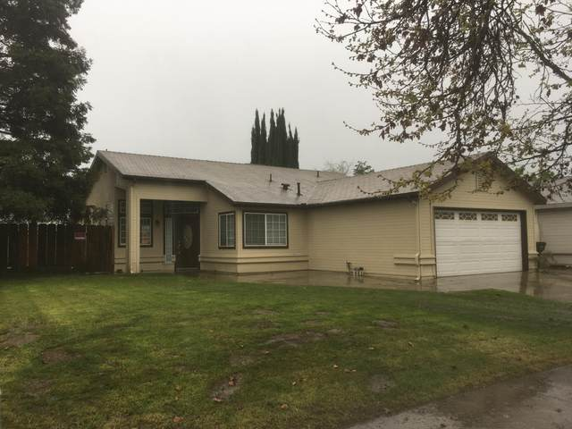 1973 Country View Avenue, Tulare, CA 93274 (#203839) :: The Jillian Bos Team