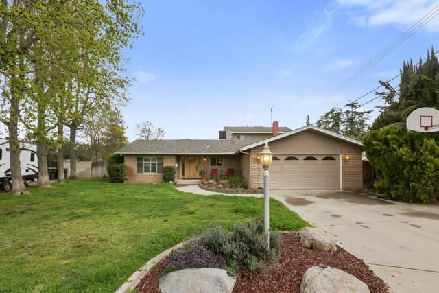 1626 E Eastgate Avenue, Tulare, CA 93274 (#203842) :: The Jillian Bos Team