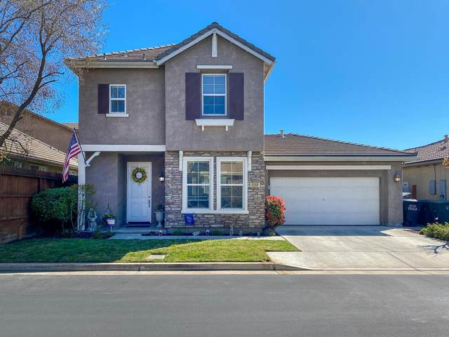 3246 N Winslow Street, Visalia, CA 93291 (#203869) :: Robyn Icenhower & Associates