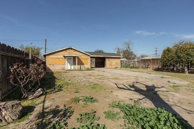 1118 Brown Avenue, Porterville, CA 93257 (#203890) :: The Jillian Bos Team