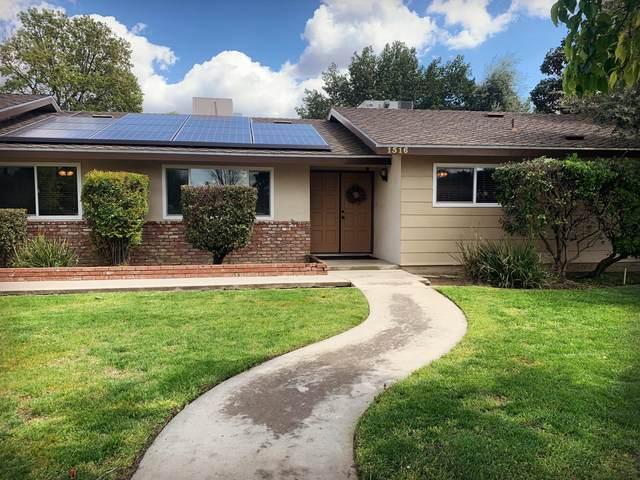 1516 N Oaks Street, Tulare, CA 93274 (#203942) :: The Jillian Bos Team