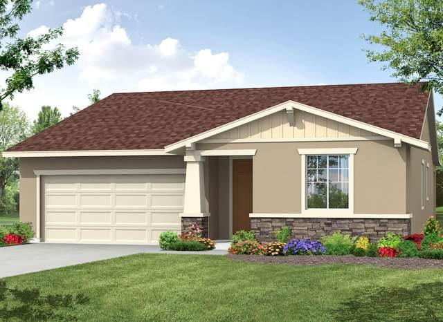 2150 N Hall Street, Visalia, CA 93291 (#203946) :: Robyn Icenhower & Associates