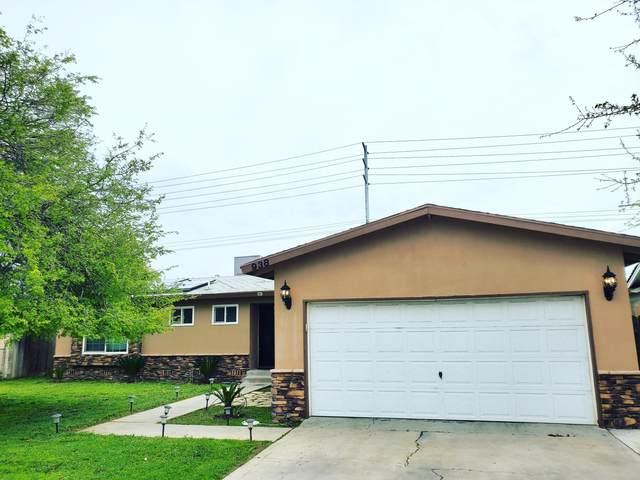 938 S Silva Street, Tulare, CA 93274 (#203978) :: Martinez Team