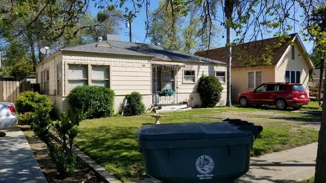 1066 E Tulare Avenue, Tulare, CA 93274 (#204019) :: Martinez Team