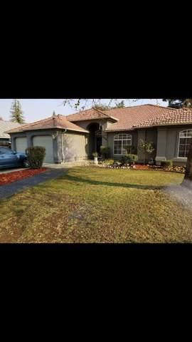 1026 Lotas Place, Porterville, CA 93257 (#204023) :: Martinez Team