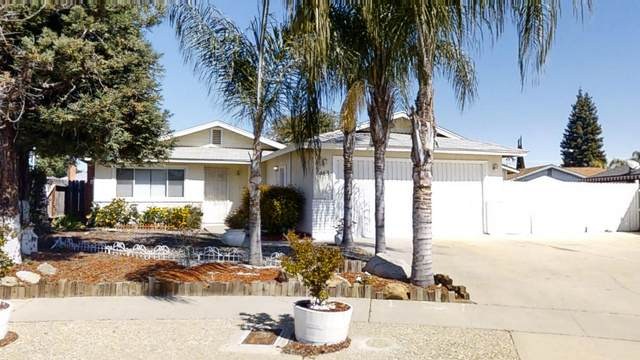 463 Delores Court, Tulare, CA 93274 (#204031) :: Martinez Team