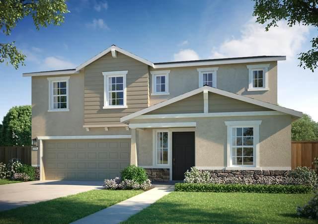 2211 Billing Avenue, Tulare, CA 93274 (#204129) :: The Jillian Bos Team