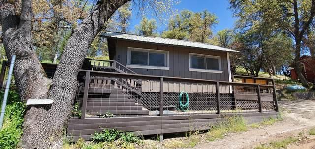 166 Pine Flat Drive, California Hot Spgs, CA 93207 (#204471) :: The Jillian Bos Team