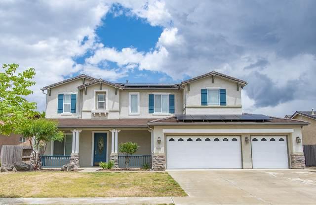 4148 W Delta Avenue, Visalia, CA 93291 (#204699) :: Martinez Team