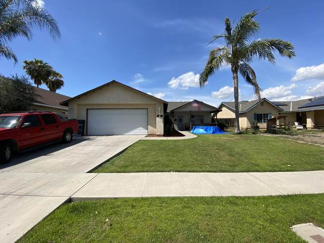 1374 Cottage Grove Avenue, Tulare, CA 93274 (#204778) :: The Jillian Bos Team