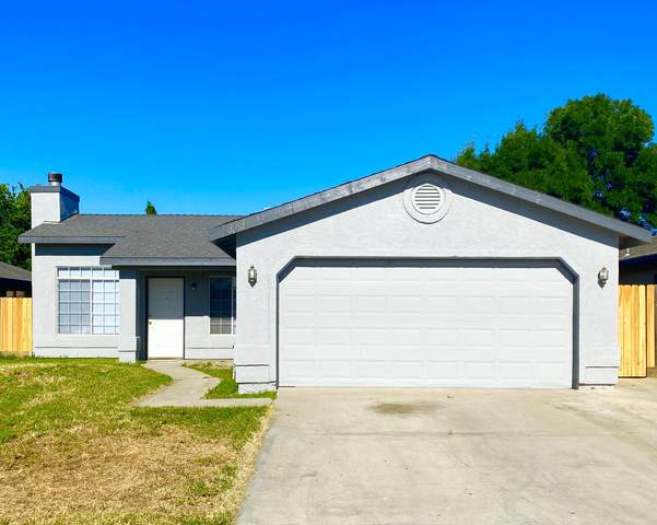 1919 Grapewood Street, Tulare, CA 93274 (#204789) :: Robyn Icenhower & Associates