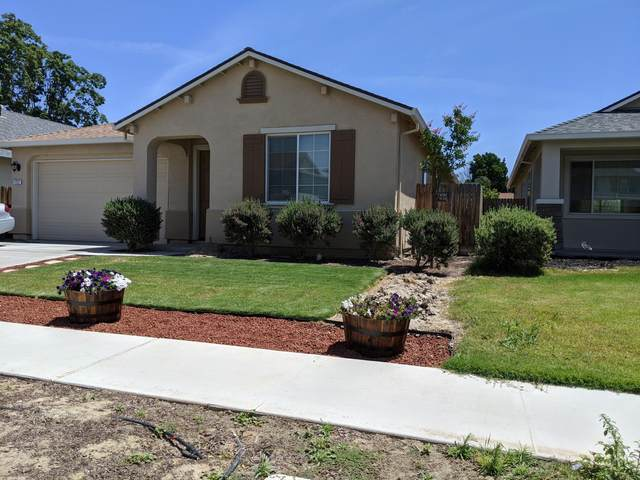 1257 Greenbrier Drive, Hanford, CA 93230 (#204799) :: The Jillian Bos Team