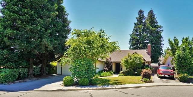 4341 W Hemlock Court, Visalia, CA 93277 (#204810) :: The Jillian Bos Team
