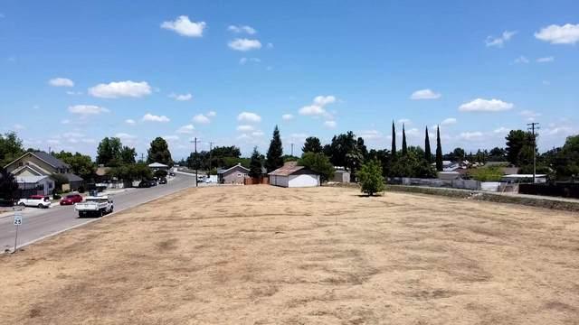 2336 Orange Avenue, Selma, CA 93662 (#204816) :: The Jillian Bos Team