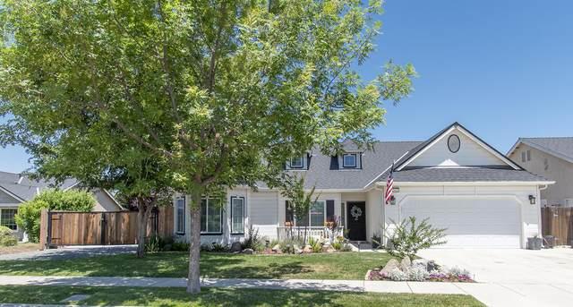 2912 W Wren Avenue, Visalia, CA 93291 (#204820) :: The Jillian Bos Team