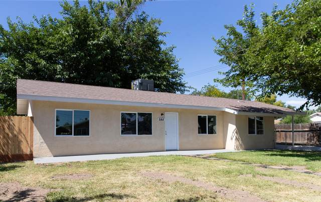 544 W Owens Avenue, Tulare, CA 93274 (#204854) :: The Jillian Bos Team