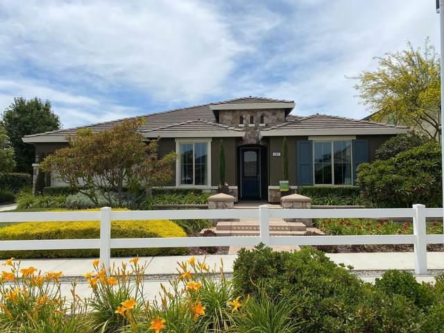 487 Ocean Street, Tulare, CA 93274 (#204903) :: Martinez Team