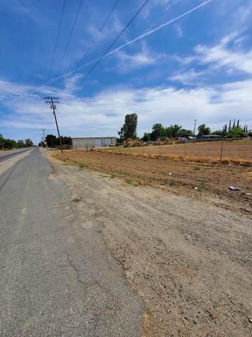 11891 S 10th Avenue, Hanford, CA 93230 (#204910) :: The Jillian Bos Team