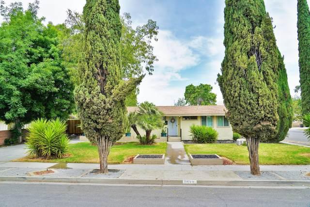 1012 E Myrtle Street, Hanford, CA 93230 (#204935) :: The Jillian Bos Team