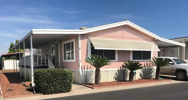 581 N Crawford Avenue #88, Dinuba, CA 93618 (#205000) :: Martinez Team