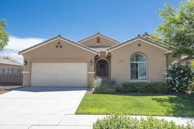 480 Montana De Oro Street, Tulare, CA 93274 (#205054) :: Martinez Team