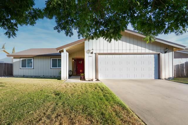 1363 Stanford Place, Hanford, CA 93230 (#205215) :: Martinez Team