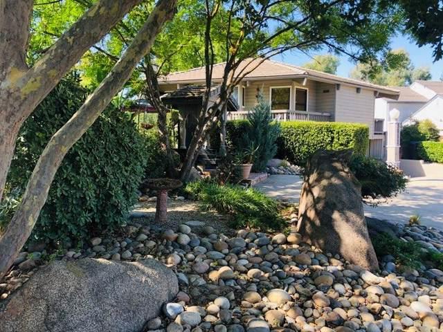 3832 W Nicholas Avenue, Visalia, CA 93291 (#205240) :: Martinez Team