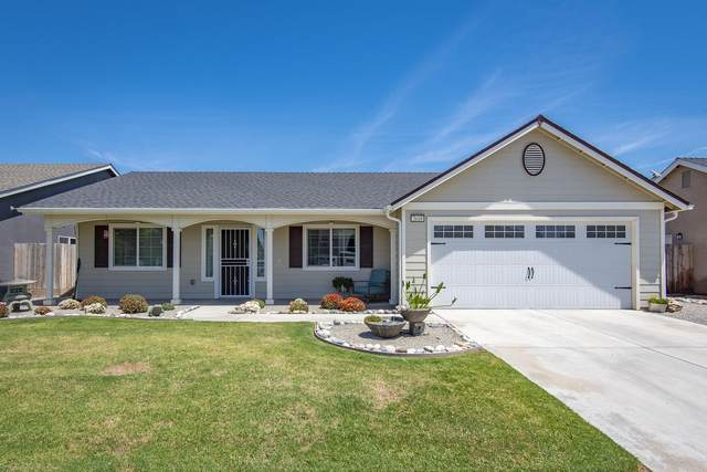 2618 Bell Port Avenue, Tulare, CA 93274 (#205249) :: The Jillian Bos Team